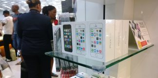 Apple iPhone 5S og iPhone 5C (Foto: John G. Pedersen)