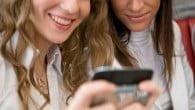 Tidligere var det mændene der dominerede markedet for smartphones, men nu ejer ligeså mange kvinder som mænd en smartphone, viser en ny rapport.