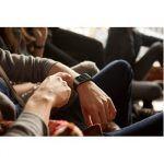 Samsung Galaxy S5 og Gear 2 (Foto: Samsung) miljø billede