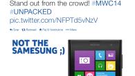 """Samsung Galaxy S5 blev præsenteret i går og nu er konkurrenterne HTC og Nokia klar med små sjove """"stik-piller""""."""