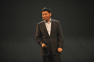 Richard Yu på scenen under præsentationen af Huawei Ascend P7 (Foto: Huawei)