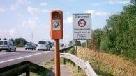 Nødtelefonerne i vejkanten på blandt andet motorvejen benyttes sjældnere og sjældnere, da mobilen tager over. Men de sendes endnu ikke på pension.