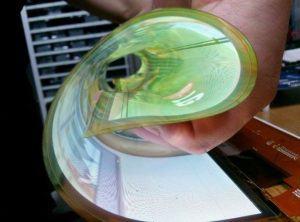 LG skærm der kan rulles. I fremtiden bliver skærme også foldbare.