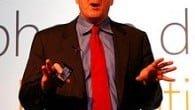 Den tidligere topchef i Microsoft, Steve Ballmer, trækker sig nu fra selskabets bestyrelse.
