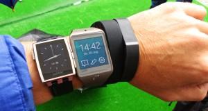 Pebble, Samsung Gear Neo, Sony SmartBand og Fitbit