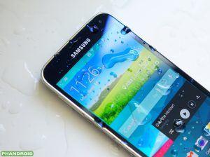 Den vandafvisende Galaxy S5, blev hurtigt populær blandt kunderne