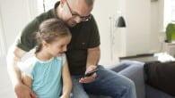 Smartphonen gløder med kommunikation mellem børn og forældre, også i skole-og arbejdstiden.