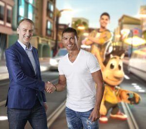 Henrik Kølle fra Hugo Games sammen med Christiano Ronaldo (Foto: Hugo Games)