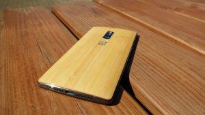 OnePlus 2 - med Bambus cover (Foto: MereMobil.dk)