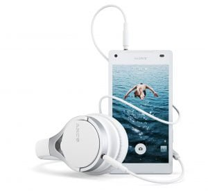 Sony Xperia Z5 Compact med headset MDR-10RC
