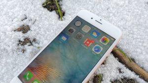 iPhone 6S i kulde og sne (Foto: MereMobil.dk)