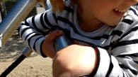 Det er første gang, at Sundhedsstyrelsen har offentliggjort anbefalinger til helt små børns fysiske aktivitet, samt opfordret til begrænset skærmbrug.