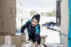 Sælgeren har ansvaret for pakken indtil den er afleveret til dig (Foto: Fotograf Kalle von Hausswolff / Postnord)