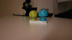 Testfoto fra Samsung Galaxy S7 Edge taget i et mørkt rum med fotolys (Foto: MereMobil.dk)