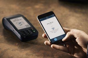 Ny betalingsterminal til MobilePay og betalingskort (Foto: Danske Bank)