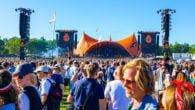 """Roskilde Festival kan ikke aflytte dine mobilsamtaler eller læse SMS-beskeder, lyder det fra teleselskaberne, der kalder kampagnen """"uheldig""""."""