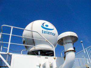 Satellit-kommunikation ombord på færge (Foto: MereMobil.dk)
