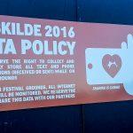 Skiltet der har bragt Roskilde Festival i shitstorm