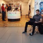 iPhone-fan i kø foran 3Butikken i City 2 Høje Taastrup (Foto: 3)