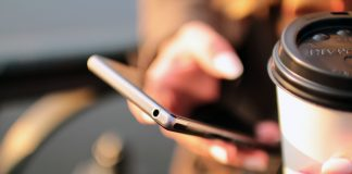 Smartphone iPhone miljø kaffe