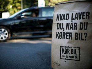 """Billeder fra kampagnen """"Kør bil, når du kører bil"""" (Foto: Rådet for Sikker Trafik)"""