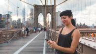 Hver tiende dansker har behov for, at være online via mobilen mindst én gang i timen – også når de er i udlandet.