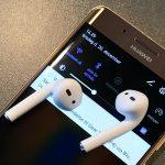 AirPods parret med Android telefon (Foto: MereMobil.dk)