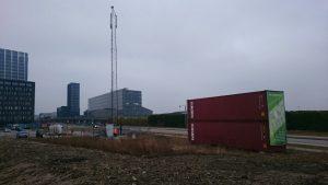Der etableres mobilmast uden for Royal Arena (Foto: Telia og Telenor)