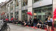 De første danskere har lagt sig i kø for, at sikre sig et eksemplar af den nye OnePlus 5. 3Huset har nemlig eksklusiv salgsstart i dag mellem klokken 16.00 og 20.00.