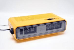 Total analog clockradio