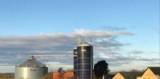 Skywire site Tullebølle på Langeland. Sitet leverer 100/100 Mbit/s til området husstande (Foto: SkyWire)