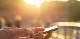 Smartphone i brug (Foto: Miljøfoto 3.dk)