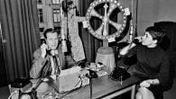 """RETRO: Radioprogrammet """"De ringer, vi spiller"""" fik 17.000 opkald på én time. Telefonselskaberne klagede fordi det generede de øvrige kunder."""