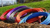 Langt om længe begynder TDC for alvor at graver fiber ned til privatkunder. Tilslutningen er gratis, og du kan selv vælge udbyder.