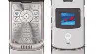 Verdens mest solgte klaptelefon, Motorola Razr, gør comeback. Angiveligt er det nu en foldbar smartphone til en høj pris. Læs mere om Motorola Razr 2019 her.