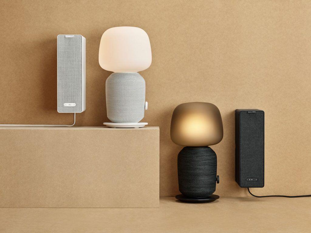 SYMFONISK bordlampe med wifi-højttaler (1.699.-) og SYMFONISK wifi-højttaler (799,-) (Foto: IKEA)