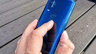 TEST: OnePlus er ude som mellemklassens favorit. One Vision sætter et nyrestød ind, hvor OnePlus slap. Læs her min glade anmeldelse af Motorola One Vision.