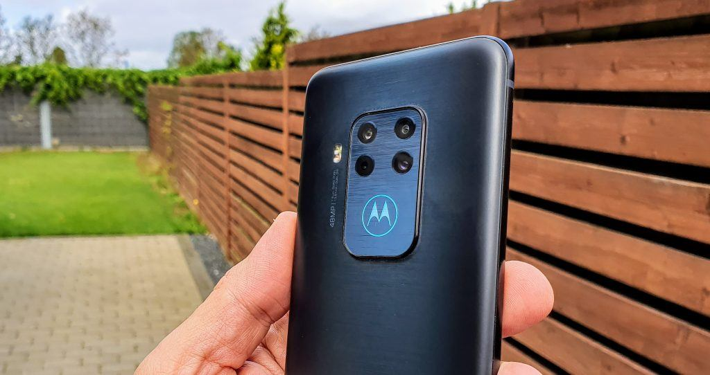 Motorola One Zoom test