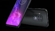 Motorola skubber til, hvad du skal forvente af en telefon til under 3.000 kroner. Her kan du møde Motorola One Zoom.