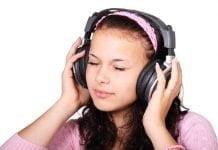 headset girl