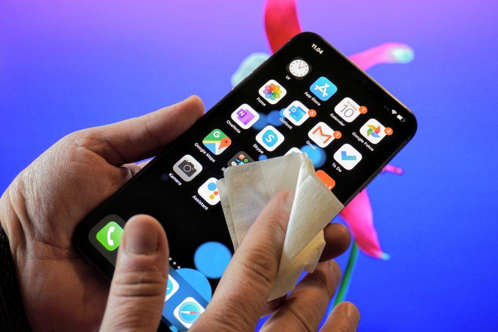 Rengøring af smartphone