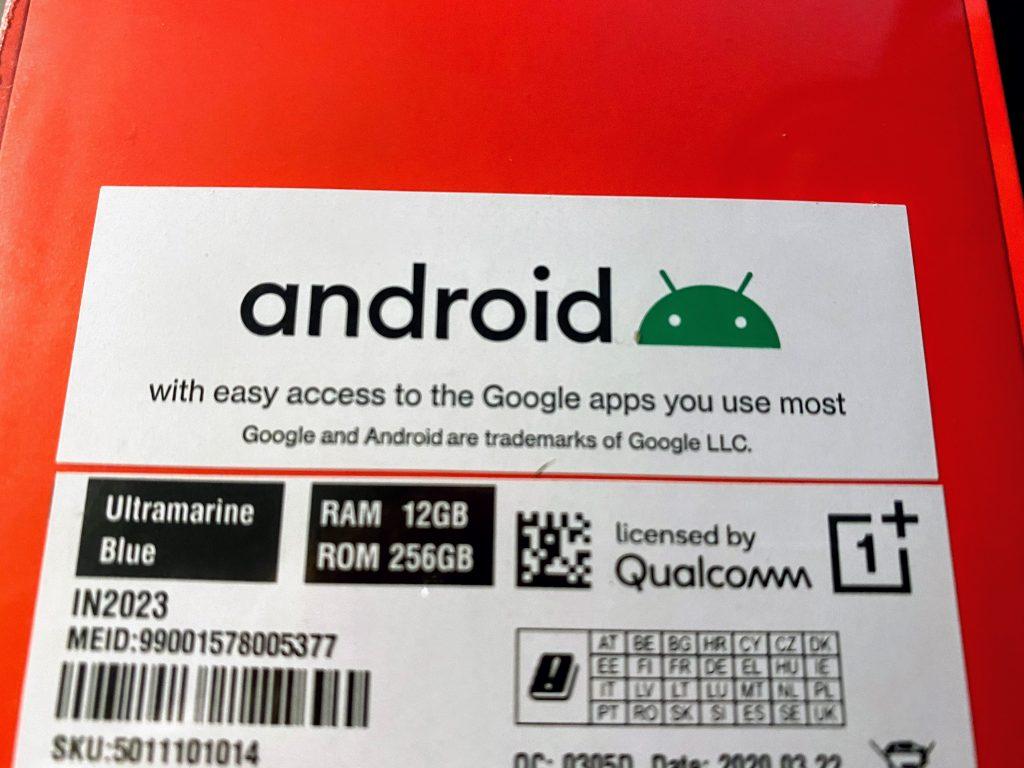 OnePlus 8 Pro salgsæske