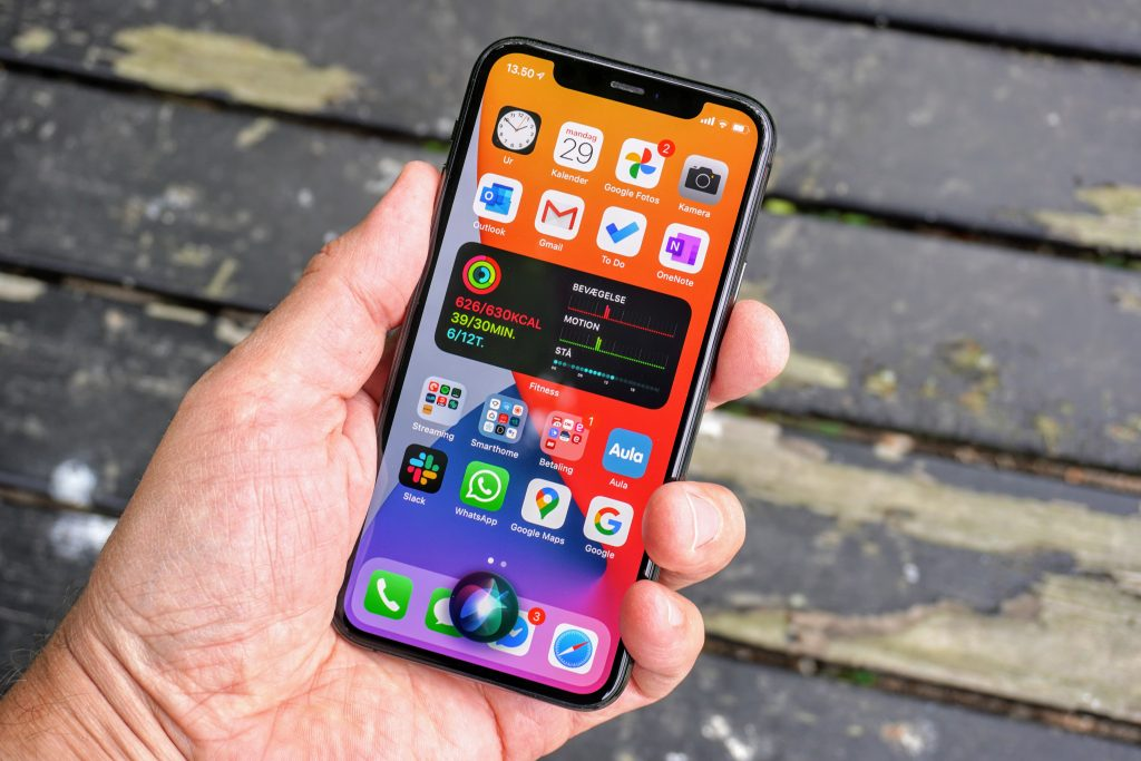 Siri på iPhone 11 Pro med iOS 14 beta