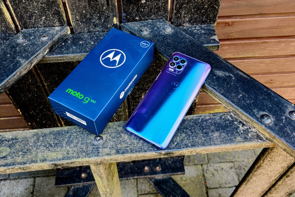 Motorola G100 test