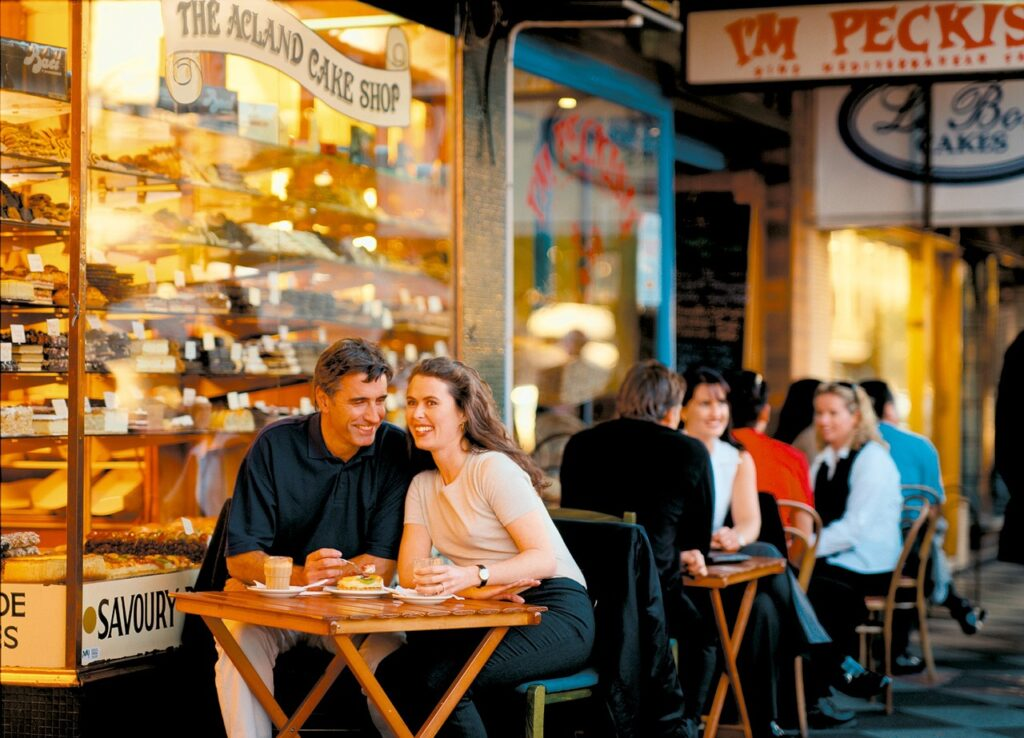 Par på café (Foto: Pixabay)