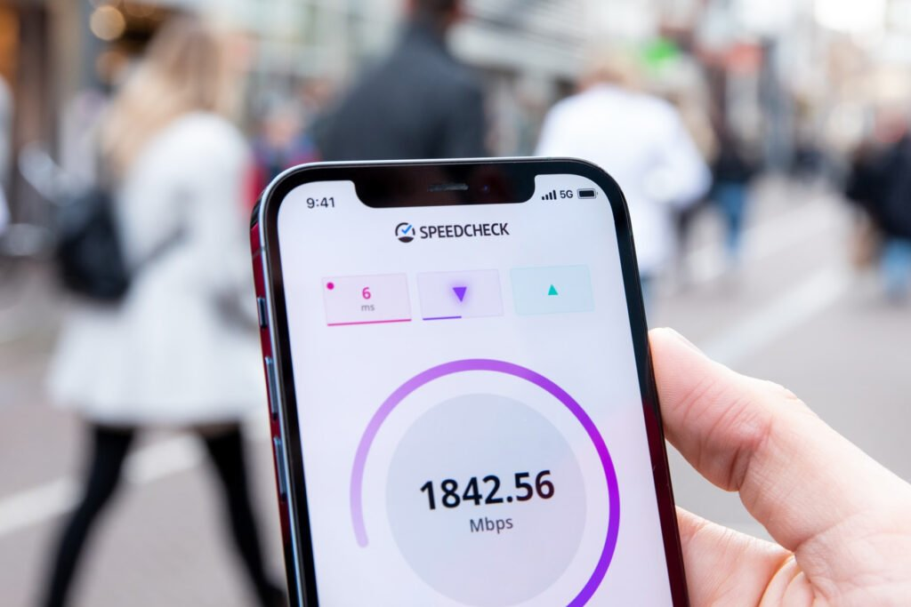 5G smartphone by higspeed