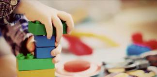 Børn der leger (Foto: Pixabay)